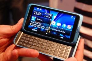 Nokia E7. Steve Jobs teria amado esse teclado.